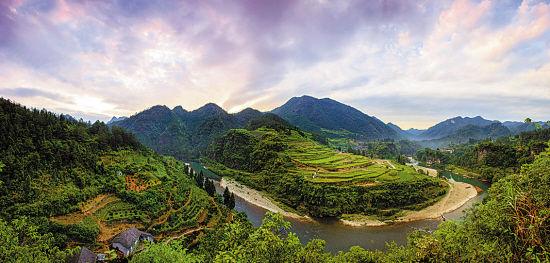 湖南永顺老司城中心城址与灵溪河