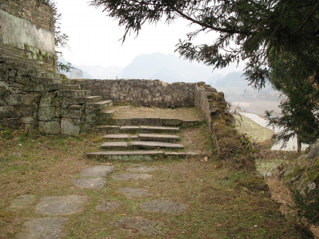 去向张王庙的石阶